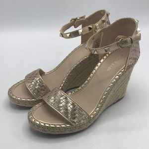 New Marc Fisher Rose Gold Studded Wedges